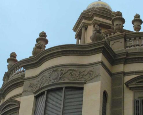 Restauracion edificios fachada Badalona Barcelona